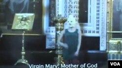 """Pussy Riot""樂隊年初在救世主大教堂的聖壇上演唱(資料圖片)"