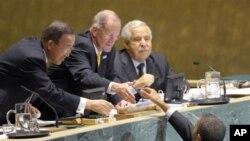 Ο Αλί Τρέκι όταν διατελούσε Πρόεδρος της Γεν. Συνέλευσης των ΗΕ