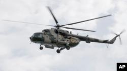 지난 3일 우크라이나 동부 슬로뱐스크에서 비행 중인 우크라이나 육군 헬기. (자료사진)