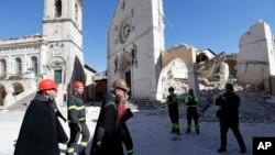 El terremoto en Norcia, Italia, no causó víctimas pero destruyó la histórica basílica de San Benedetto, el domingo, 30 de octubre, de 2016.