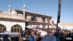 مجلس وحدت المسلمین کے رہنماؤں کے مطابق ہزارہ شہید قبرستان میں 10 قبریں کھودی گئی ہیں۔