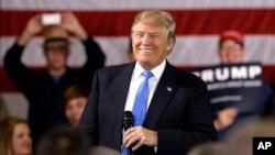 """دونالد ترامپ در اظهار نظری در حوزه سیاست خارجی گفت """"آمریکا ... دیگر نمیتواند نقش پلیس و حافظ نظم و امنیت جهانی را ایفا کند."""""""