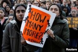 Učesnici Nacionalnog dana školskih protesta u Njujorku