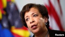 Bộ trưởng Tư pháp Loretta Lynch trong một buổi phỏng vấn độc quyền với hãng thông tấn Reuters ở Phoenix, Arizona, ngày 28 tháng 6 năm 2016.
