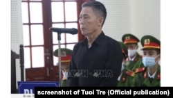 Nhà bất đồng Trần Đức Thạch trong phiên xét xử hôm 15/12/2020 tại Tòa án Nhân dân tỉnh Nghệ An