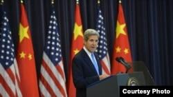 美国国务卿克里7月10日在美中战略与经济对话会议上讲话(照片来源:美国国务院)