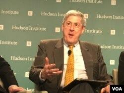 哈德遜研究所國家安全戰略中心主任費斯 (美國之音鍾辰芳拍攝)
