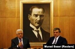 Filistin lideri Mahmud Abbas ve Türkiye'de Cumhurbaşkanı Abdullah Gül