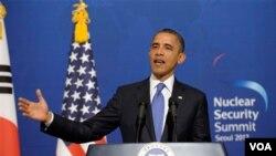 Presiden Barack Obama berpidato di Rumah Biru (the Blue House), kantor kepresidenan Korea Selatan di Seoul, Korea Selatan (25/3).