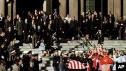 Tang lễ của Tổng thống John F. Kennedy tại nhà thờ St. Matthew ở thủ đô Washington, ngày 25/11/1963.