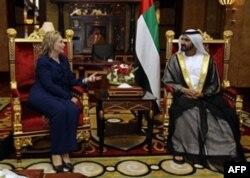 Dubayda Birlashgan Arab Amirliklari Bosh vaziri Shayx Muhammad bin Rashib al-Maktum bilan, 10 yanvar 2011