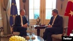 Donald Tusk and Ahmet Davutoglu