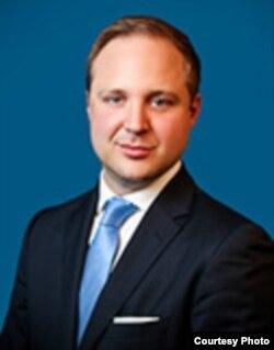 卡内基国际和平基金会欧洲项目主任布拉特伯格(照片来自卡内基网站)