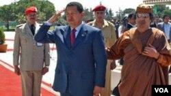Se han formado estrechos vínculos entre Hugo Chávez y el líder libio en los últimos años, con reuniones en Venezuela desde 2009.