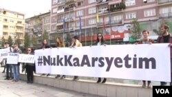 Nga një parakalim në Prishtinë kundër dhunës ndaj grave