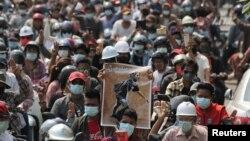 焦点对话:缅甸之春成六四翻版?仇华情绪激升