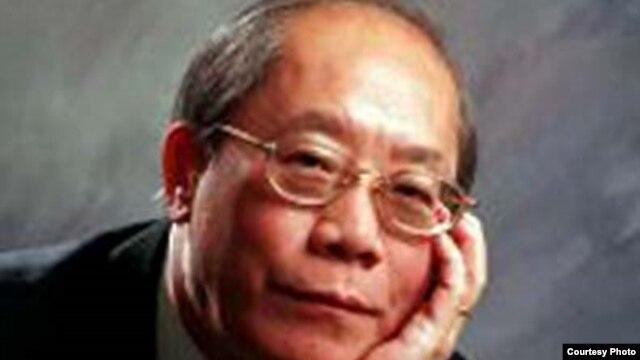 Giáo sư Ðoàn Viết Hoạt