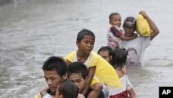 """台风""""纳沙""""9月27日袭击马尼拉以北地区之后"""