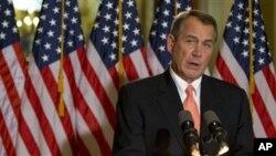 19일 미 의회 기자회견에서 재정절벽 협상에 대한 입장을 밝히는 공화당 존 베이너 하원의장.