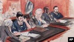 Acompañados por sus abogados, Efraín Campo Flores y su primo Francisco Flores de Freitas, escuchan su sentencia a 18 años de prisión el pasado mes de diciembre.