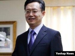 韩国朝鲜半岛和平与安全事务特别代表黄浚局