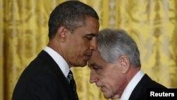 چاک هگل (راست) و باراک اوباما