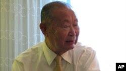 VOA와 인터뷰에 응하고 있는 백선엽 장군