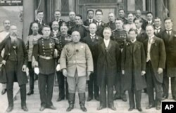总统袁世凯和外国使节合影(1913年)