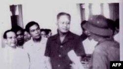 Ngay 30/4/1975: Nhà báo Bùi Tín gặp Tổng thống Dương Văn Minh, Thủ Tướng Vũ Văn Mẫu và một số người trong nội các Sài Gòn