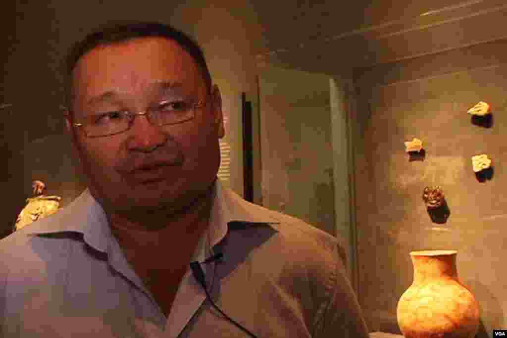 Professor Zaynolla Samashev Qozog'istonning eng tajribali arxeolog olimlaridan. Nyu-York Universiteti olimlari bilan ekspozitsiya ustida ikki yil ishladi.