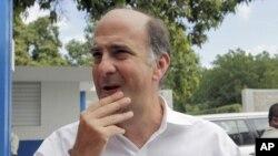 Đại sứ Hoa Kỳ tại Haiti Kenneth Merten
