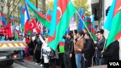 Ermənistanın Fransadakı səfirliyi qarşısında Azərbaycan və türk diaspor təşkilatlarının birgə etiraz aksiyası