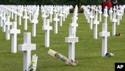 在诺曼底登陆时牺牲的盟军将士的墓地