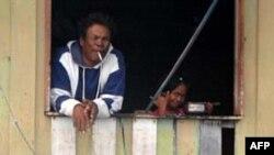 Người Philippines tại một trại tị nạn ở Palau Gaya, gần Kota Kinabalu ở Sabah, Malaysia