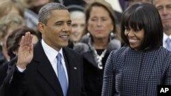 Presidente Barack Obama prestando juramento