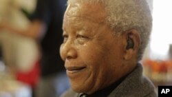 Nelson Mandela a pu rentrer chez lui après une nuit à l'hôpital