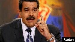"""Maduro Dijo que ha tenido mucha paciencia con """"el pinochetismo y la ultraderecha""""."""