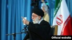 آیت الله علی خامنه ای رهبر جمهوری اسلامی ایران