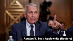 Bác sĩ Anthony Fauci, chuyên gia bệnh truyền nhiễm hàng đầu, phát biểu trong một phiên điều trần tại Thượng viện Hoa Kỳ, Washington, ngày 20 tháng 7, 2021.