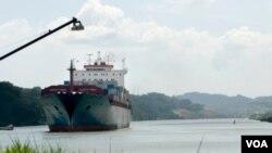 Estados Unidos administró el Canal de Panamá durante 85 años hasta que finalmente lo devolvió a la nación centroamericana en 1999.