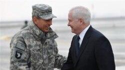 رابرت گیتس وزیر دفاع آمریکا و ژنرال دیوید پترایوس