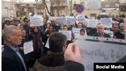 بازنشستگان در ایران بارها در اعتراض به وضعیت معیشتی و مطالبات برآورده نشده خود دست به تجمع زدهاند.