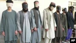 دو فرد دستگیر شده حملات احتمالی بر ریاست امنیت ملی کندهار مسؤول بیش از ١٠ حمله انفجاری و مسلحانه می باشند.