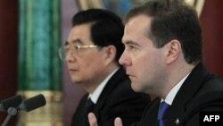 Ху Цзинтао и Дмитрий Медведев