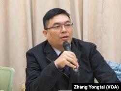 台湾世代教育基金会执行长洪耀南(美国之音张永泰拍摄)