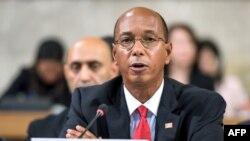 رابرت وود سفیر ایالات متحده در کنفرانس خلع سلاح بین المللی - آرشیو