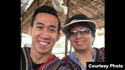 Will Nguyễn và mẹ, bà Vân Nguyễn.