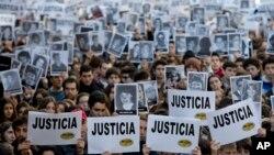 در سالروز انفجار آمیا، هنوز هزاران نفر خواستار رعایت عدالت و محاکمه عوامل این انفجار هستند.