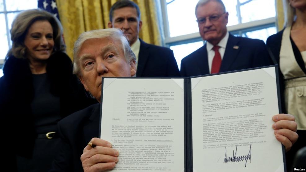 Trump melarang 7 negara islam masuk ke Amerika