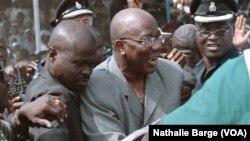 L'ex-président sierra-léonais Ahmed Tejan Kabbah, le 20 janvier 2002 à Bo, lors de la campagne électorale (VOA/Nathalie Barge)